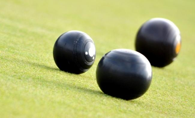 CROWN GREEN BOWLS: Stunning win for Tixall